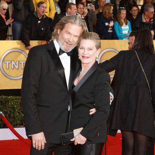 Jeff Bridges, Susan Geston in The 17th Annual Screen Actors Guild Awards (SAG Awards 2011) - Arrivals