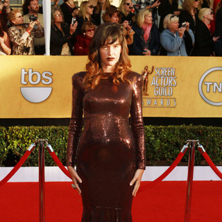 Paz de la Huerta in The 17th Annual Screen Actors Guild Awards (SAG Awards 2011) - Arrivals