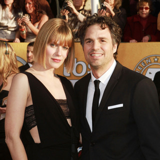 Sunrise Coigney, Mark Ruffalo in The 17th Annual Screen Actors Guild Awards (SAG Awards 2011) - Arrivals