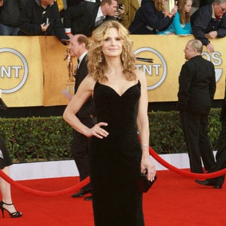 Kyra Sedgwick in The 17th Annual Screen Actors Guild Awards (SAG Awards 2011) - Arrivals