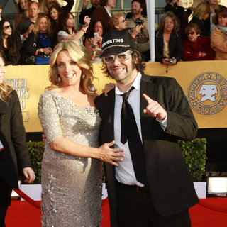 Jane Krakowski, Judah Friedlander in The 17th Annual Screen Actors Guild Awards (SAG Awards 2011) - Arrivals