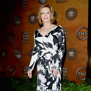 Jobeth Williams in Nomination Announcement for The 2011 Screen Actor's Guild Awards