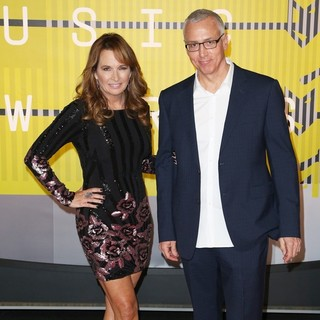 Susan Sailer, Dr. Drew Pinsky in 2015 MTV Video Music Awards - Arrivals