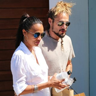 Zoe Saldana and Marco Perego Exit The James Pearce Shop
