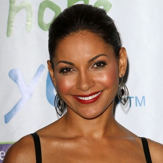 Salli Richardson in The 2011 Silver Rose Gala and Auction