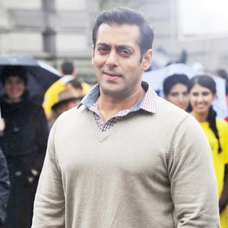 Salman Khan in A Dance Scene Is Filmed on The Set of Ek Tha Tiger