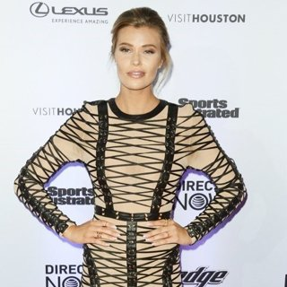 Samantha Hoopes-Sports Illustrated Swimsuit 2017 Event - Red Carpet Arrivals