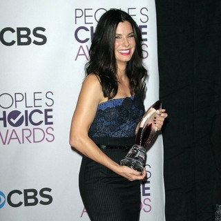 Sandra Bullock in People's Choice Awards 2013 - Press Room