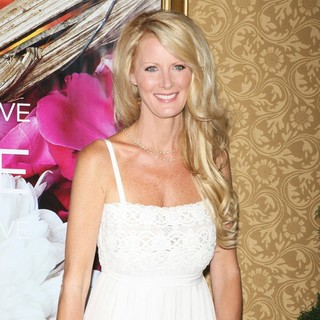 Sandra Lee in New York Premiere of Eat, Pray, Love - Arrivals
