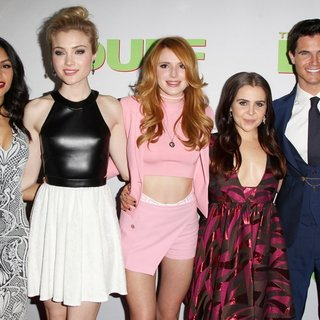 Bianca A. Santos, Skyler Samuels, Bella Thorne, Mae Whitman, Robbie Amell in Los Angeles Fan Screening of The DUFF - Red Carpet Arrivals