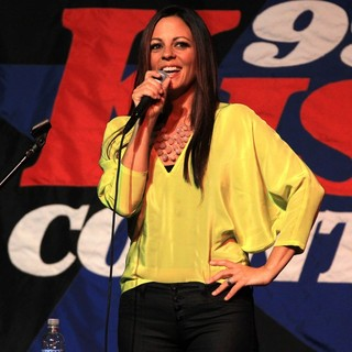 Sara Evans in Sara Evans Performs at The 99.9 Kiss Country Undercover Concert