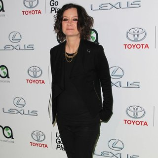 Sara Gilbert in 24th Annual Environmental Media Awards Presented by Toyota and Lexus - Arrivals