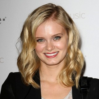 Sara Paxton in Celebrity Magenta Carpet Arrivals at The Launch Party for Google Music Available on T-Mobile