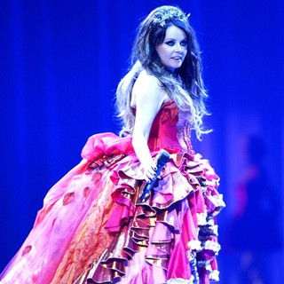 Sarah Brightman Performing Live