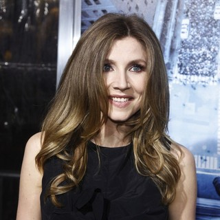 Sarah Chalke in Premiere of Man on a Ledge