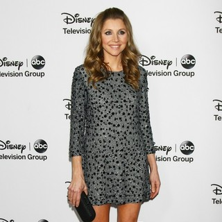 Sarah Chalke in Disney ABC Television Group Hosts TCA Winter Press Tour