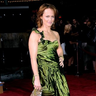 Sarah Clarke in Los Angeles Premiere of Twilight - Arrivals