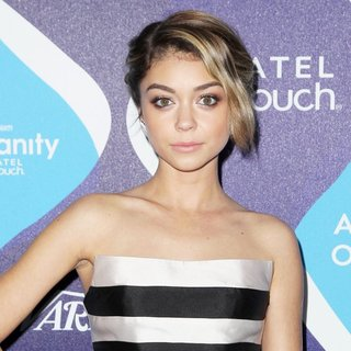Sarah Hyland in 2nd Annual unite4:humanity Presented by ALCATEL ONETOUCH - Arrivals