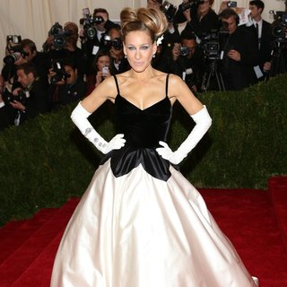 Sarah Jessica Parker in Charles James: Beyond Fashion Costume Institute Gala - Arrivals