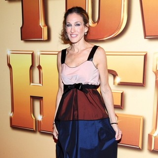 Sarah Jessica Parker in World Premiere of Tower Heist - Arrivals