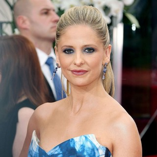 Sarah Michelle Gellar in The 69th Annual Golden Globe Awards - Arrivals