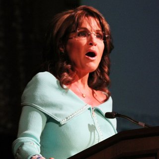 Sarah Palin in The 28th Annual Shareholders in Life Banquet and Silent Auction