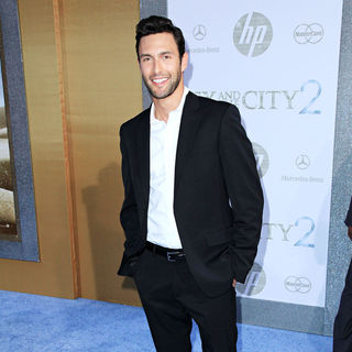 Noah Mills in World Premiere of 'Sex and the City 2' - Arrivals