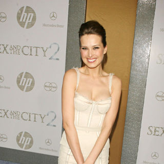 Petra Nemcova in World Premiere of 'Sex and the City 2' - Arrivals