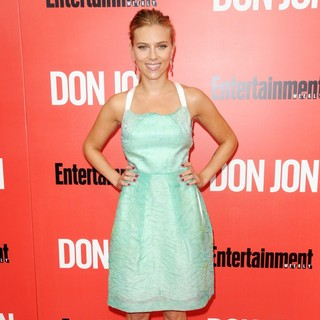 Scarlett Johansson in New York Premiere of Don Jon - Red Carpet Arrivals