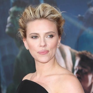 Scarlett Johansson in World Premiere of The Avengers - Arrivals