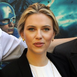 Scarlett Johansson in Stars of Movie The Avengers Attend A Photocall