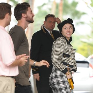Miley Cyrus - Miley Cyrus and Patrick Schwarzenegger Arrive at The Beverly Hills Hotel