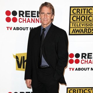 Scott Bakula in The 2011 Critics Choice Television Awards Luncheon - Red Carpet - scott-bakula-2011-critics-choice-television-awards-02