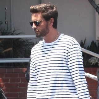 Scott Disick-Scott Disick Leaves Fred Segal