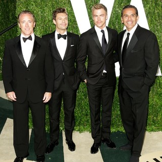 Ryan Seacrest, Derek Hough, Antonio Villaraigosa in 2013 Vanity Fair Oscar Party - Arrivals