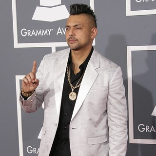 Sean Paul in 55th Annual GRAMMY Awards - Arrivals - sean-paul-55th-annual-grammy-awards-04