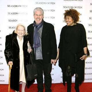 Ron Perlman, Opal Perlman in The 'Season of the Witch' Premiere