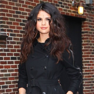 Selena Gomez in Celebrities for The Late Show with David Letterman - selena-gomez-late-show-with-david-letterman-01