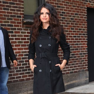 Selena Gomez in Celebrities for The Late Show with David Letterman - selena-gomez-late-show-with-david-letterman-04