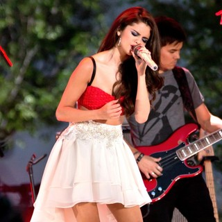 Selena Gomez in Pre-Tape A Fourth of July Television Special