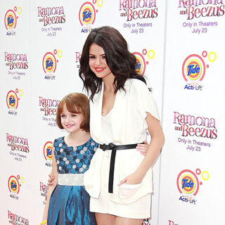 Selena Gomez, Joey King in NYC Premiere of 'Ramona and Beezus'