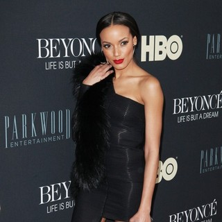 Selita Ebanks in Beyonce: Life Is But a Dream New York Premiere