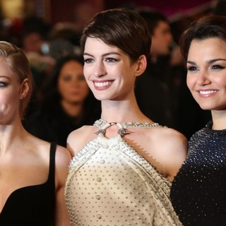 Amanda Seyfried, Anne Hathaway, Samantha Barks in Les Miserables World Premiere - Arrivals