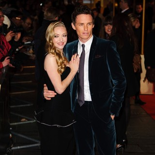 Amanda Seyfried, Eddie Redmayne in Les Miserables World Premiere - Arrivals