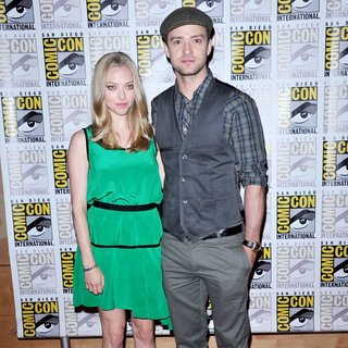 Amanda Seyfried, Justin Timberlake in 2011 Comic Con Convention - Day 1 - In Time Press Conference - Arrivals
