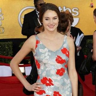 Shailene Woodley in The 18th Annual Screen Actors Guild Awards - Arrivals