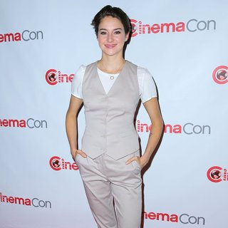 Shailene Woodley in CinemaCon 2014 20th Century Fox Red Carpet