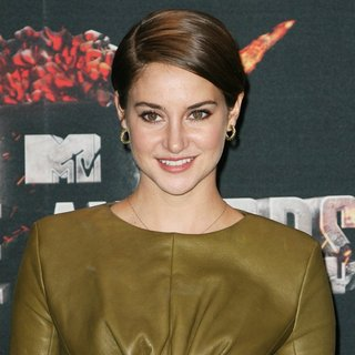 Shailene Woodley in MTV Movie Awards 2014 - Press Room