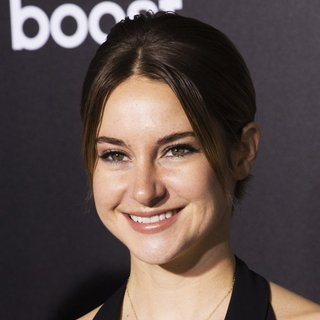 Shailene Woodley in US Premiere of The Divergent Series: Insurgent - Red Carpet Arrivals
