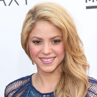 Shakira in 2014 Billboard Music Awards - Red Carpet